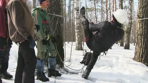 Horolezci kontrola zařízení