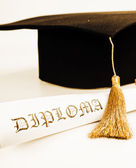 promoce klobouk a diplom