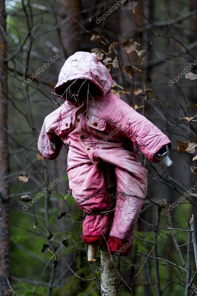 покрыт фото чучело в лесу основном, требуют