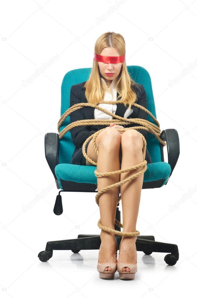 Задирание привязала парню руки к креслу и села фото порно