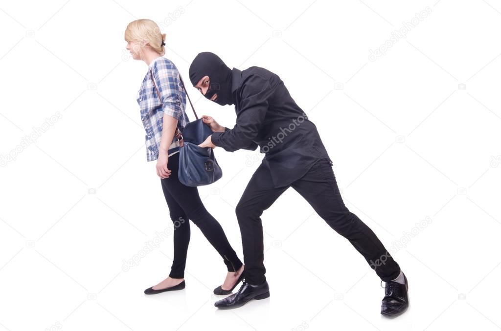 Грабитель подкрался сзади