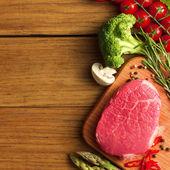 Steak se zeleným chřestem