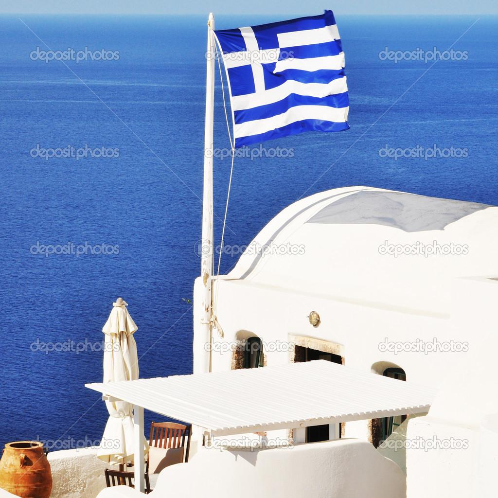 Αποτέλεσμα εικόνας για ελληνικη σημαια σε νησι