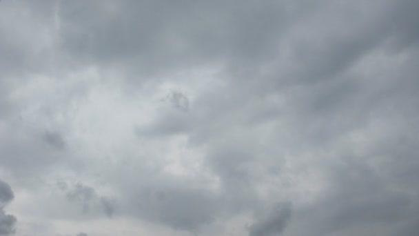 temný mrak smyčka