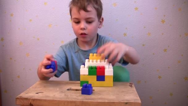 dětské hry hračky cihla