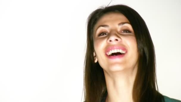 usmívající se tvář ženy
