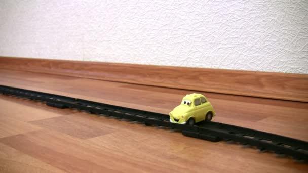 hračka vraku vlaku a automobilu