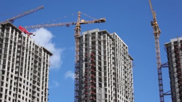 Panorama stavby několik výškových budov