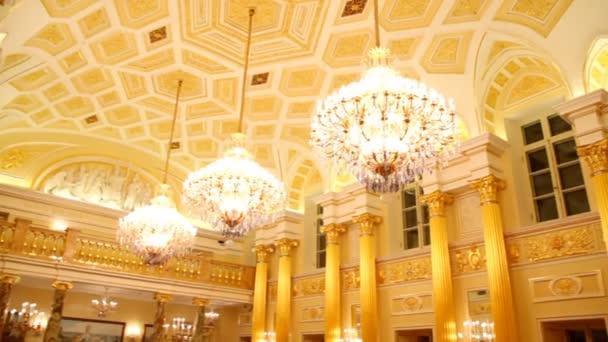 Hallen des grand Palace werden von russischen Museum of Folk und angewandte Kunst