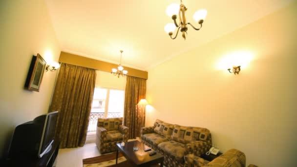 interiér obývacího pokoje, vertikální posun