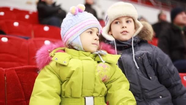 Mérkőzés készítése a lány és egy fiú