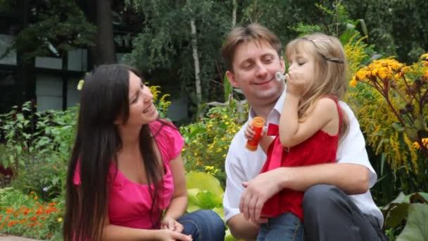rodina mýdlové bubliny