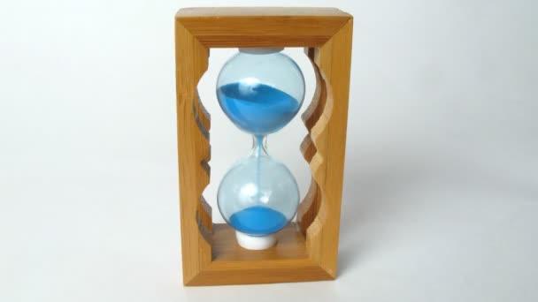 Kis fa sandglass fut, idő telik el a kiadványról