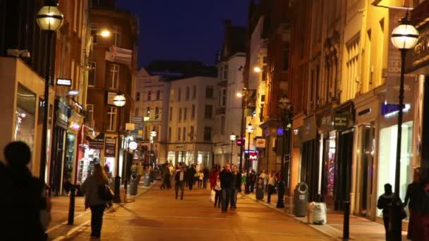 lidé na grafton street