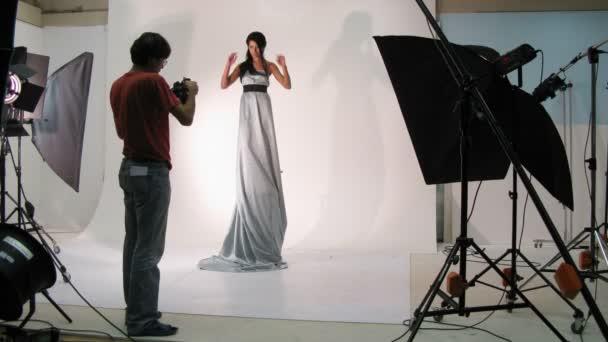 wunderschönes Model Pose für Fotografen