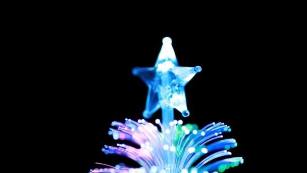 lampa horní suvenýr v podobě jehličnanů s hvězdou se otáčí kolem své osy