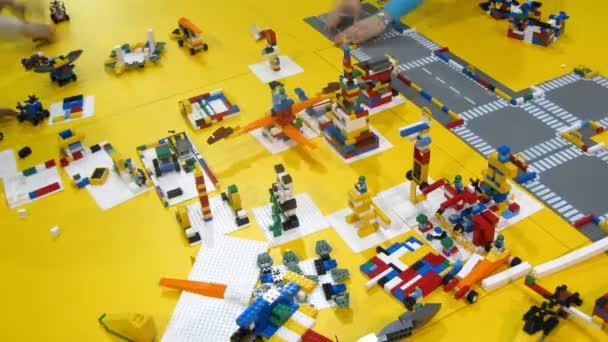 LEGO konstruktor je vyčištěn po robofest-2011