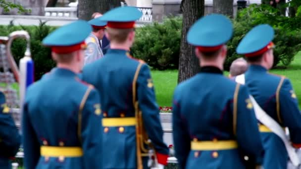 premiér Rusko Vladimíra Putina chodit na věnec, kterým obřad