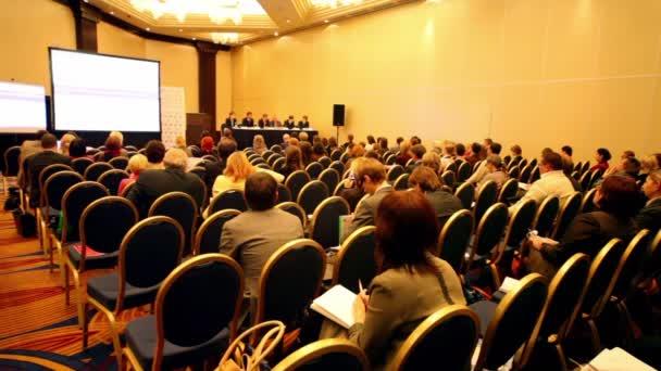 hlediště na prezentaci na kongresu mezinárodní daňové taxexpo-2010