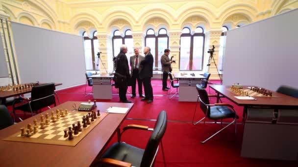 Michael taljas páté šachy památník začíná