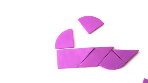 Geometriai adatok áthelyezése a képernyőn, és rózsaszín szív forma