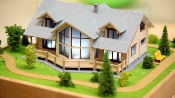 model domku a sousední oblasti s rostlinami