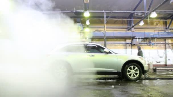 parní kluby kryt auto, která na mytí aut s pracovníky