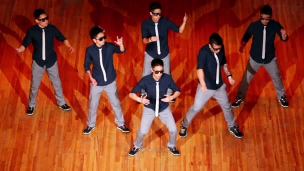 Six boys Poreotics team dance modern style at final HHI - Cup of Russia, Championship IV