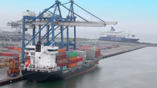 přeprava zboží v kontejnerech Yee obrovský jeřáb