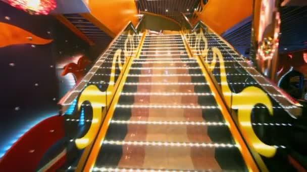 pohyb nahoru po schodech do druhého stupně divadlo