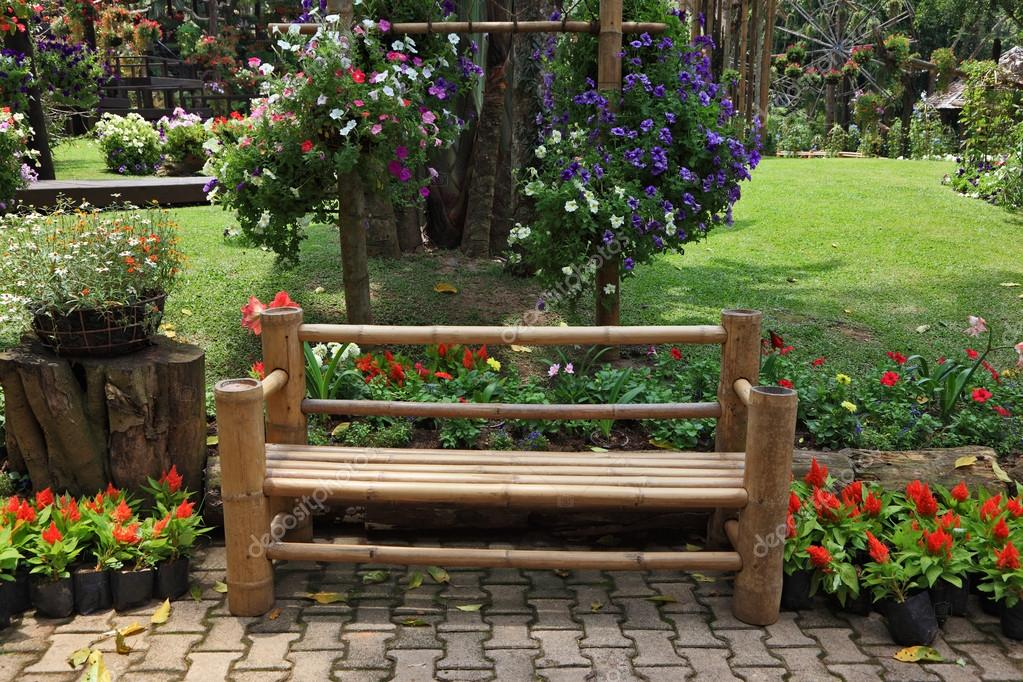A flowers and a bench