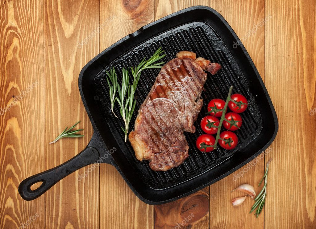 Sirloin steak with rosemary and cherry tomatoes