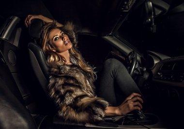 """Картина, постер, плакат, фотообои """"роскошная женщина в машине ."""", артикул 18347469"""
