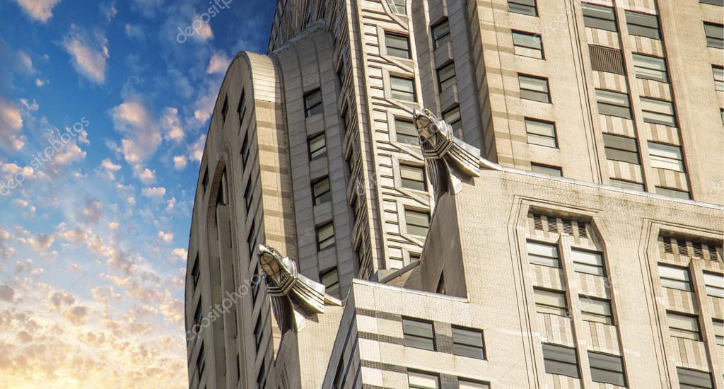 new york 11 m rz chrysler geb ude fassade redaktionelles stockfoto jovannig 12560234. Black Bedroom Furniture Sets. Home Design Ideas