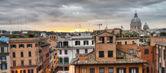 scale di piazza di spagna a Roma da Trinità dei monti