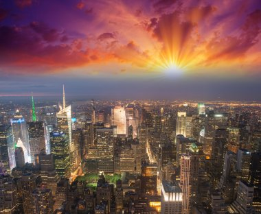 Manhattan, NYC. Spectacular sunset view of Bryant Park and Midtown