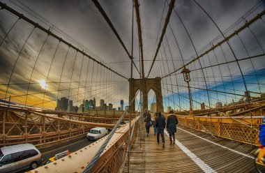 Strolling on Brooklyn Bridge in Winter - New York City
