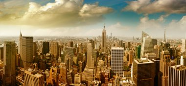 Panoramic aerial view of Midtown and Downtown Manhattan - New Yo