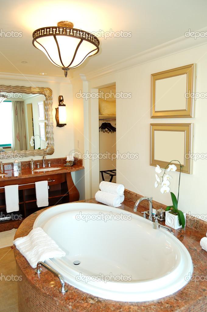 badkamer in de luxe hotel, dubai, Verenigde Arabische Emiraten ...
