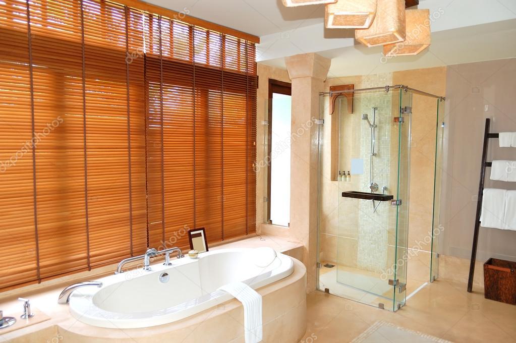 Luxe Villa Badkamer : Luxe villa op golf en villa resort harderwold bij veluwemeer v a