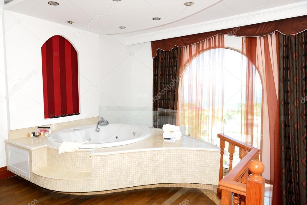 Appartement de luxe avec salle de bains jacuzzi, bodrum, Turquie ...