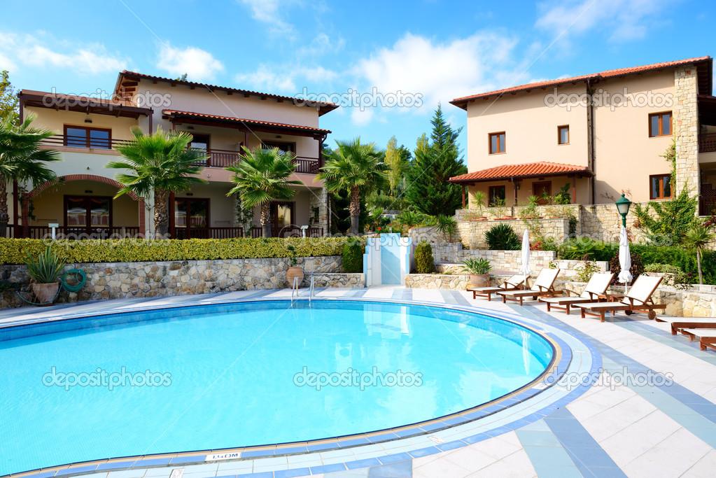 nearest hotel pool aga - 1023×683