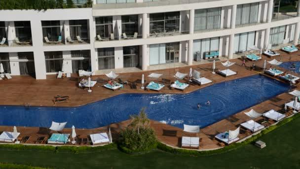 bazén u pláže na luxusní hotel, antalya, Turecko