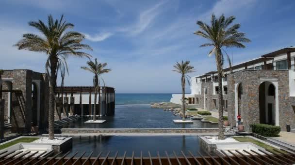 der Pool auf moderne und luxuriöse Hotel, Kreta, Griechenland