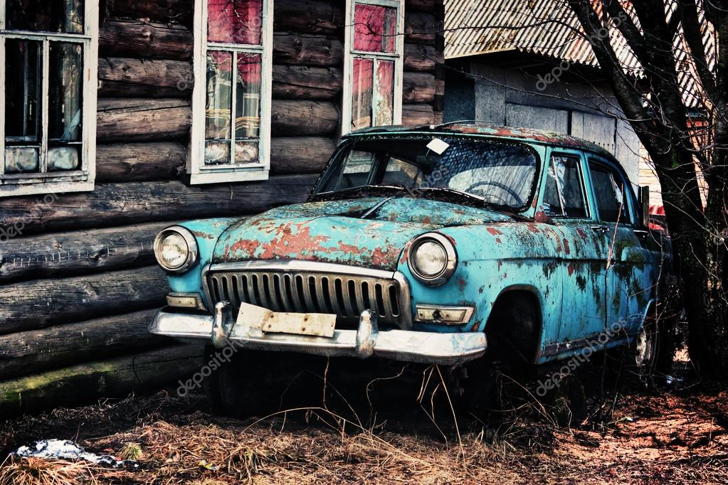 Old rusty car. – Stock Editorial Photo © khamidulin #35600191