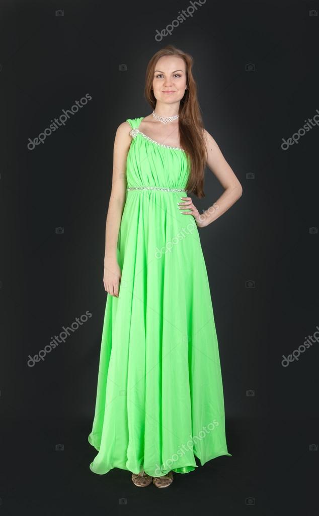 promo code dcc1f 1f5e4 Ragazza in abito elegante verde — Foto Stock © Argument ...