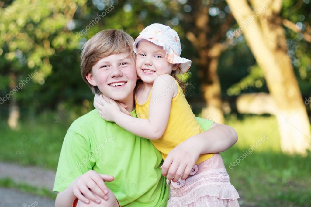 С сестрой фото двоюродной порно брат