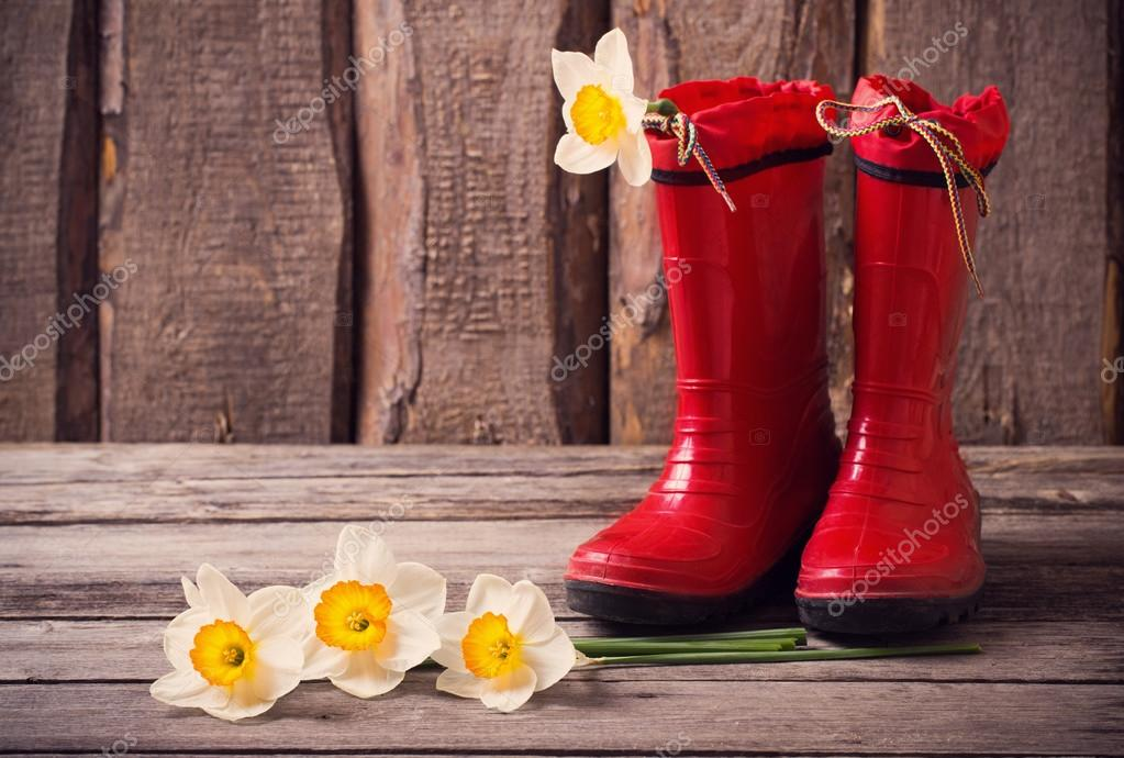 red child garden shoes with spring flowers