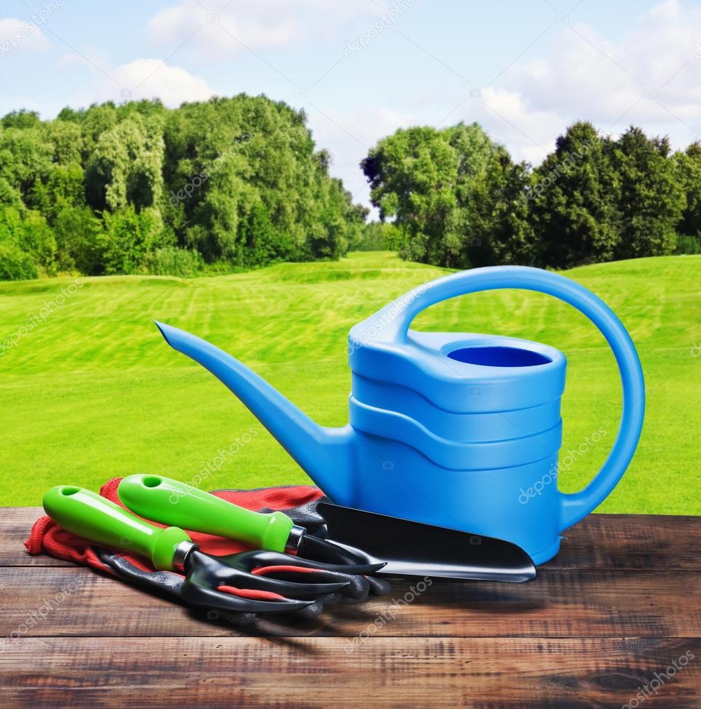 Herramientas y equipos de jardiner a foto de stock for Equipo de jardineria