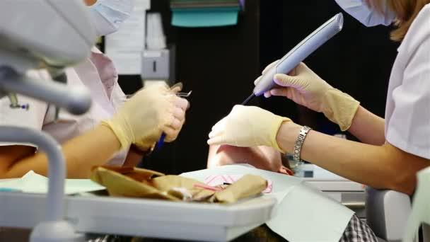 stomatologie. zubní ošetření